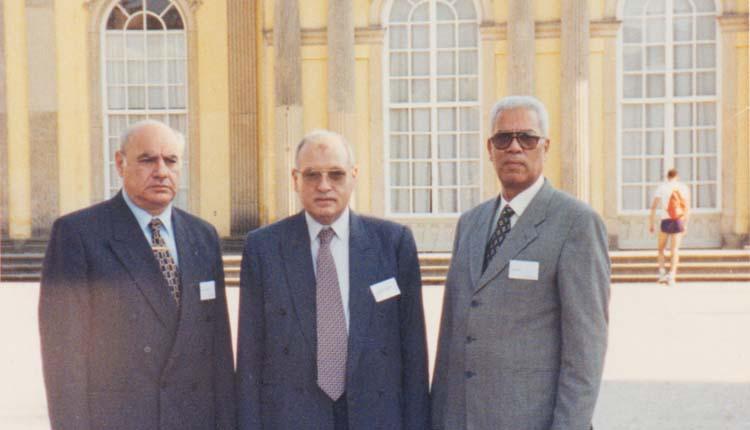 2000 - ألمانيا - برلين - مؤتمر شركة سيمنس حول الاتصالات - علي بدر - الصياد - د. مصطفي عبدالعاطي