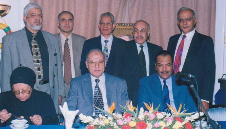 2001 - حفل التقاعد الذي أقامه الصندوق الحكومي - رشاد سالم -         - عبدالحكيم الخولي - طه مأمون - فايز حافظ - الصياد - ليلي الوزيري