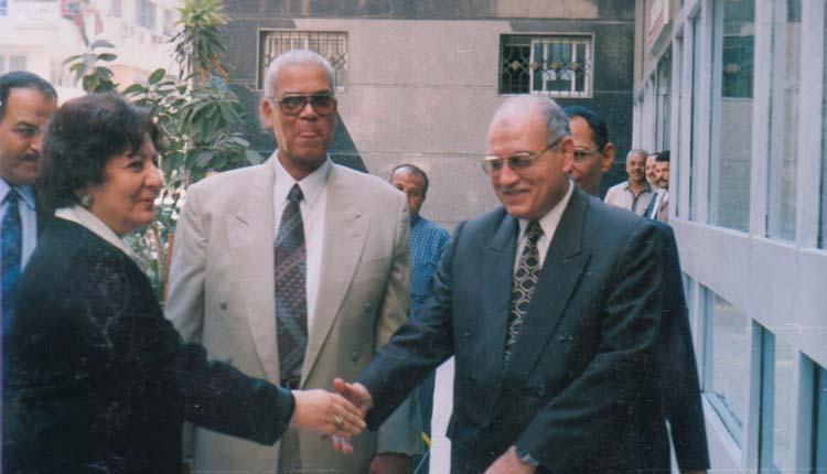2001 - افتتاح الندوة الشهرية - الصياد - علي بدر - الدكتورة أمينة الجندي - فايز حافظ