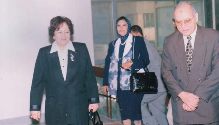 2001 - افتتاح الندوة الشهرية - الصياد - فاطمة الشريف - الدكتورة أمينة الجندي