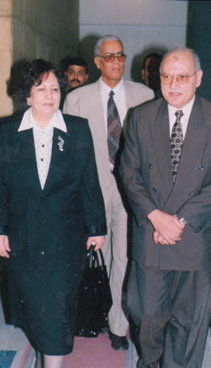 2001 - افتتاح الندوة الشهرية - الصياد - الأستاذ علي بدر - الدكتورة أمينة الجندي